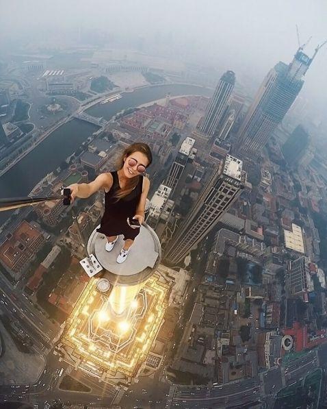 Ця російська дівчина зробила саме страшне і небезпечне селфи на світі!
