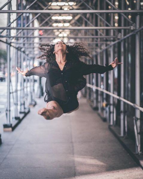 20 нереально крутих портретів танцюристів балету, які тренуються на вулицях Нью-Йорка