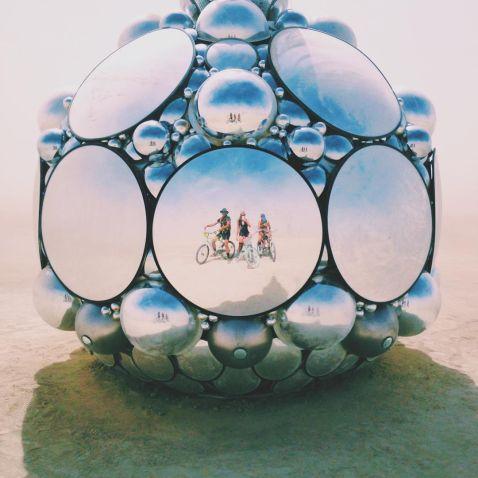 30 сюрреалістичних знімків Burning Man різних років
