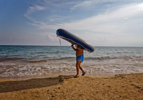 17 «спекотних» фото з різних пляжів світу, підтверджують, що літо — це весело