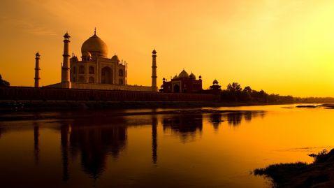 Індійська віза подорожчала на 40 %