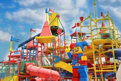 У Дубаї відкрили парк для сімейного відпочинку Legoland і променад Riverland
