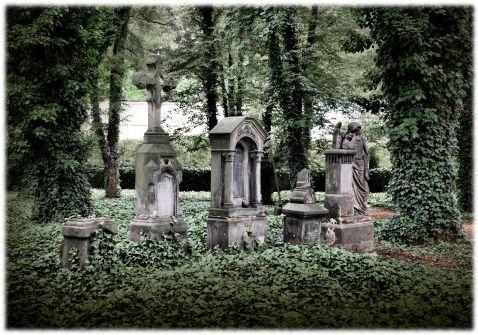 Прага запрошує на нічні прогулянки по кладовищу