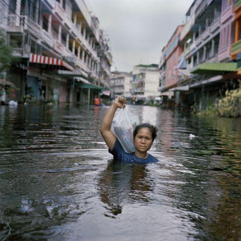 Всесвітній потоп: 23 сумних фото про жахливі повені та їхніх жертв