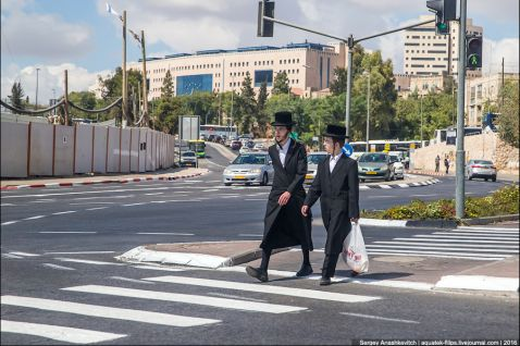 Чому євреї так одягаються