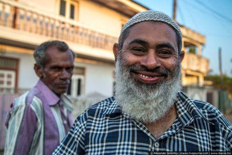 Що ховається за мусульманською посмішкою?