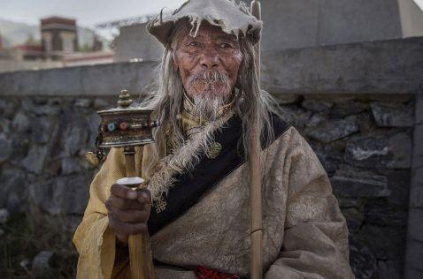Познайомтеся з мешканцями «Даху світу» — людьми, життя яких не схоже на нашу