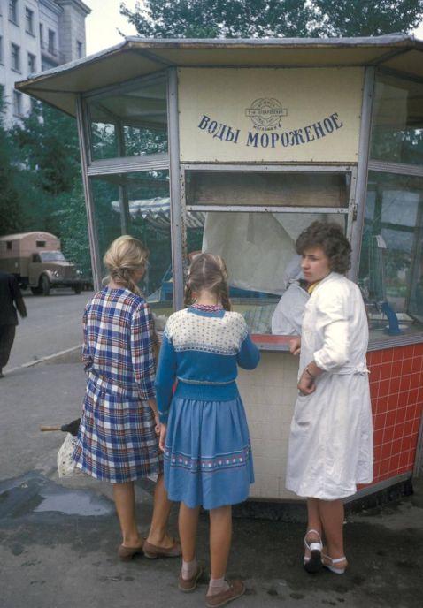 20 цікавих фотографій про те, як жили москвичі в 1959 році