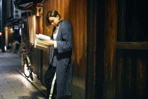Новий хостел у Kyoto пропонує постояльцям спати на книжкових полицях!