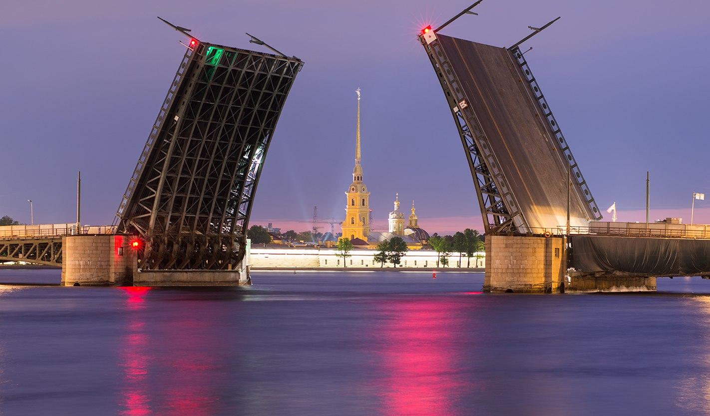 Где находиться санкт-петербург главная