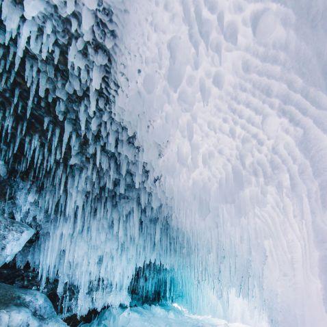 10 фото замерзлого Байкалу, краса якого дуже сліпуча для нашої планети