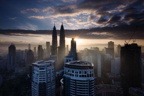 Кращий спосіб познайомитися з цією Малайзією — прогулятися по ній. Прямо зараз!
