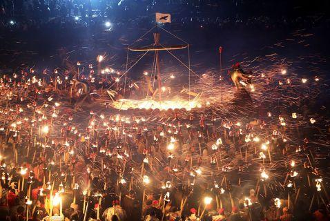 Самі епічні фотографії з фестивалю вікінгів в Шотландії!