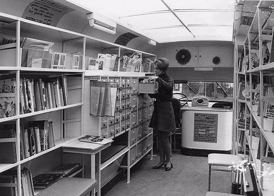 15 рідкісних фото старовинних пересувних бібліотек, які були задовго до Amazon
