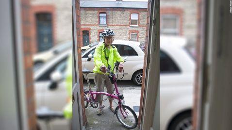Світова прабабуся: американська пенсіонерка об'їхала пів-Європи на велосипеді