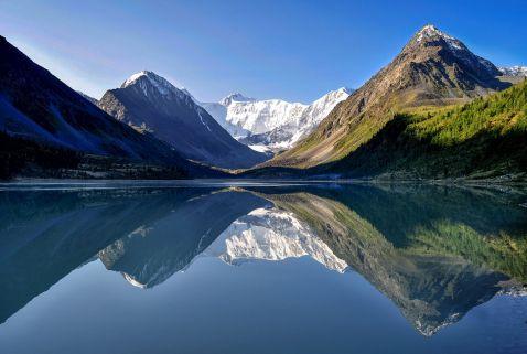 Найбільша гора в Росії