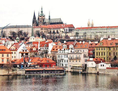 Прага: три прекрасного і три страшенних