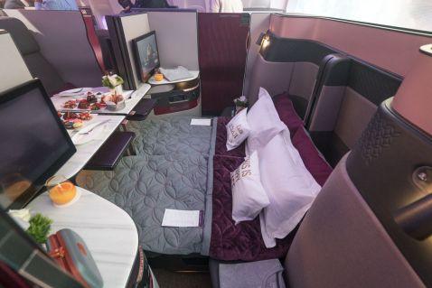 Авіаперевізник Qatar Airways показав новий бізнес-клас із золотими кріслами