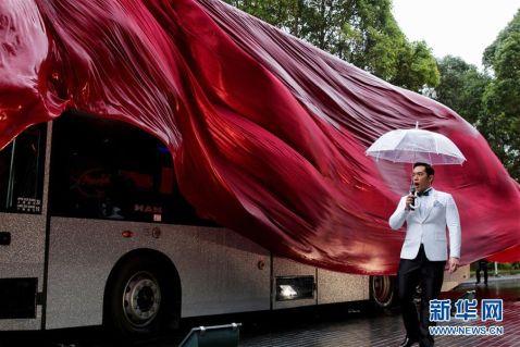 «Смачне» знайомство з містом: по вулицях Гонконгу буде курсувати автобус-ресторан