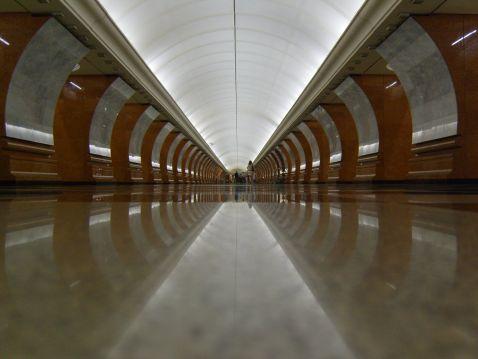 Найглибше метро Москви