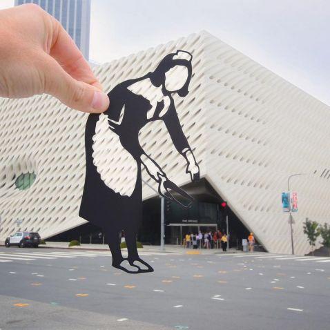 C допомогою фігурок з паперу він перетворює фото пам'яток в мистецтво