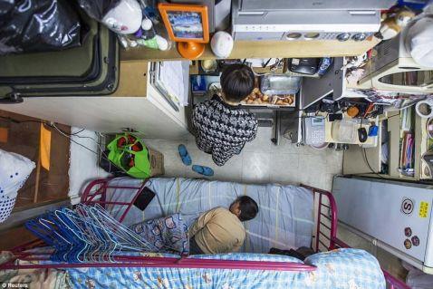 Крихітні кімнати в світі, на які не глянеш без співчуття до їх мешканцям