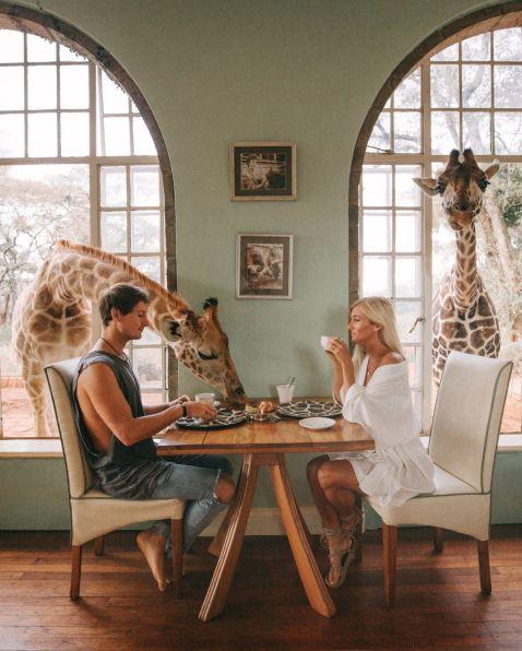 Ця пара заробляє по $9000 за тревел-фото в Instagram. І ось як вони це роблять!