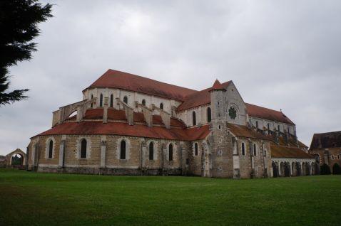 Абатство Понтиньи (de Pontigny) — одне з найстаріших у Франції