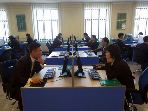 10 цікавих фактів про те, як люди в Північній Кореї користуються новими технологіями