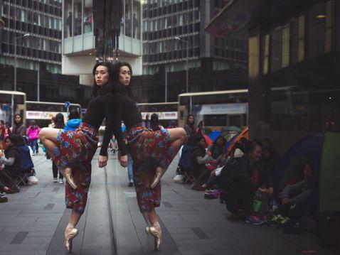 Балерини на вулицях Гонконгу: знаменитий фотопроект підкорює Азію