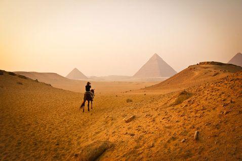 Широкий погляд на 15 відомих пам'яток світу