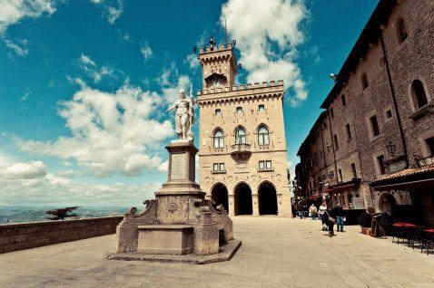 Чому варто відвідати саму сонячну республіку Сан-Марино?