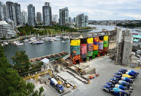Як близнюки Os Gemeos розфарбували індустріальний бункер Ванкувера